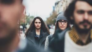Junge Menschen auf der Straße