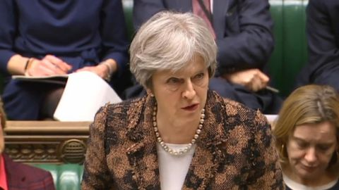 Premierministerin Theresa May spricht im Londoner Parlament