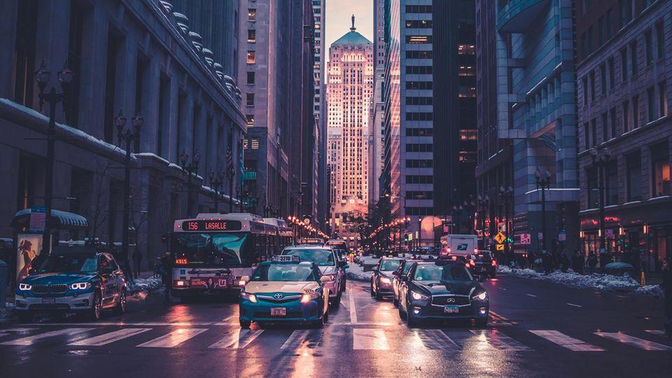 Niemand kann behaupten, dass das Auto zu wenig Platz in den Städten hat. Die Petzer-App würde dafür sorgen, dass es nicht noch weitere Flächen okkupiert.