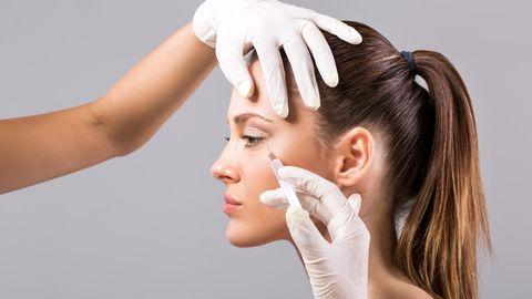 Botulinumtoxin - kurz Botox - wird zur Behandlung von Falten eingesetzt