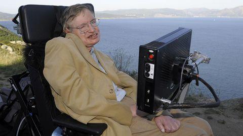 Stephen Hawking bei einem Besuch am Cap Finisterre