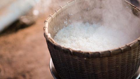 Nie wieder Matschreis!: Diese Fehler machen Sie beim Reiskochen