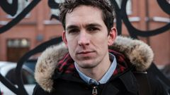 """26. März 2017: Alec Luhn, ein Amerikaner, wurde während einer Protestkundgebung festgenommen, weil er laut der Polizei Parolen auf Russisch geschrien hatte. Ihm wurde vorgeworfen, die Durchführung der Massenveranstaltung gestört zu haben. Seine Akkreditierung als Journalist des britischen """"Guardian"""" half ihm nicht. Nur nachdem die Redaktion an das russische Außenministerium appelliert hatte, wurde er freigelassen. Ein Gericht befand ihn schließlich für unschuldig. Damit ist Luhn bislang ein Einzelfall."""
