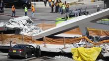 Eingestürzte Brücke in Miami