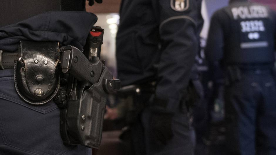 Polizisten in Berlin (Symbolbild)