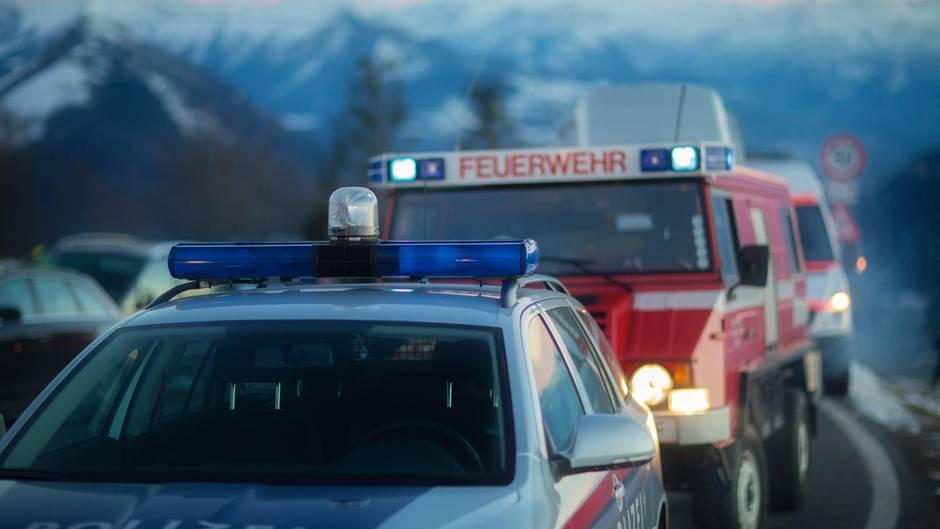 Feuerwehr un Polizei in Österreich