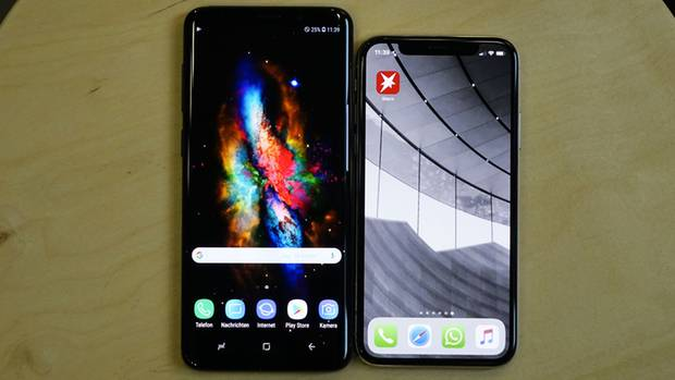 Das Galaxy S9 Plus 8links) neben dem iPhone X