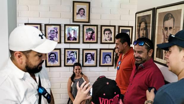 Ein Foto mit dem Drogenboss: 25 Dollar kostet der Eintritt in den Escobar-Bungalow in Medellín