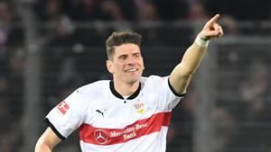 Mario Gomez machte gleich beide Tore für den VfB Stuttgart in Freiburg