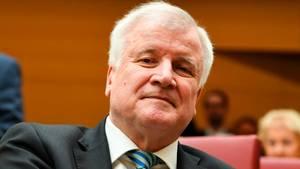 Innenminister Horst Seehofer bittet um Gelassenheit bei Islam-Aussagen
