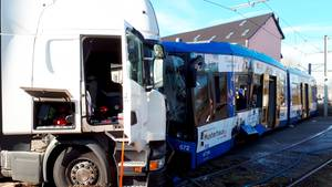 Nachrichten aus Deutschland: Tram-Unfall in Kassel