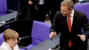 Christian Lindner hat Kanzlerin Angela Merkel nach ihrer Regierungserklärung scharf angegriffen