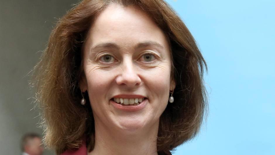 Die neue Justizministerin Katarina Barley legt sich als erstes mit Facebook an