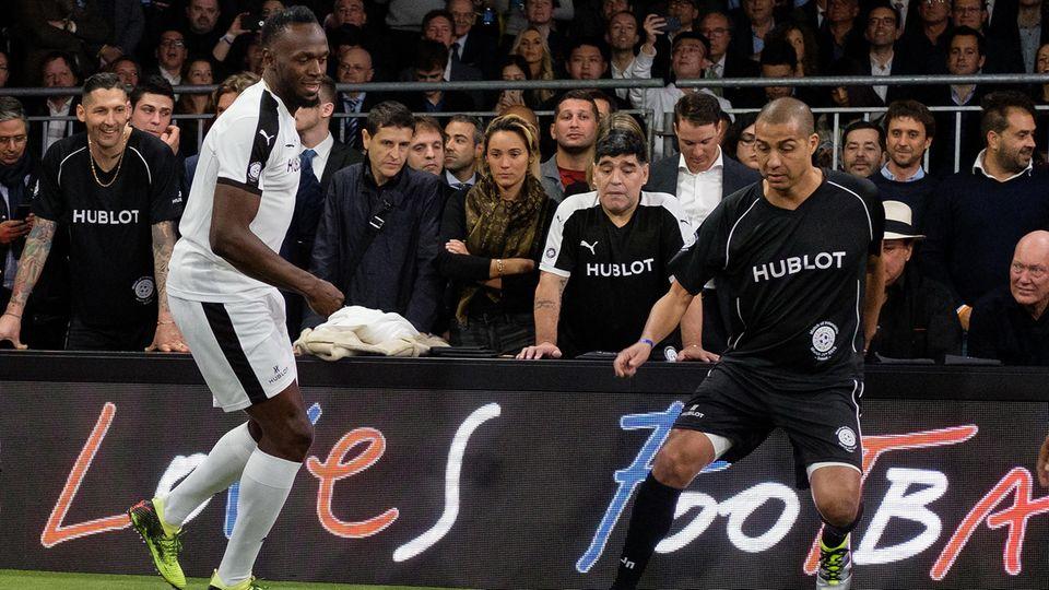 Usain Bolt während eines Fußballspiels
