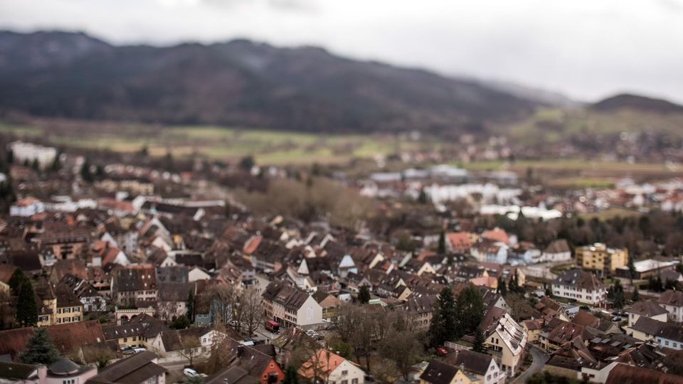Staufen im Breisgau: Ein schwerer Fall von Kindesmissbrauch erschüttert die Kleinstadt