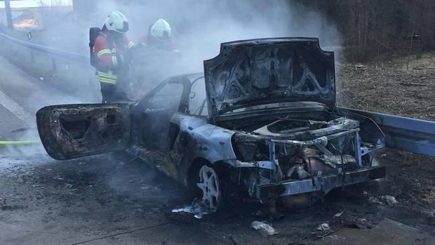 nachrichten deutschland - ausgebranntes auto