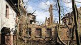 Jagdschloss Rathsfeld  Diese Schlossruine und der umgebene Park liegen in einem tiefen Schlaf. Ein Brand im Jahre 2005 zerstörte Teile des Anwesens am Kyffhäuser, wo der Sage nach in einer Höhle Kaiser Barbarossa schläft.