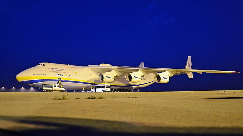 Antonow An 225 Das Größte Flugzeug Der Welt Hebt Wieder Ab Sternde