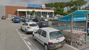In diesem Supermarkt im südfranzösischen Trebes gibt es eine Geiselnahme