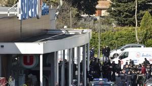 Tatort Trèbes in Südfrankreich: Der Geiselnehmer ist tot, ein Polizist wird zum Helden