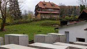 Betonstelen unweit des Wohnhauses von AfD-Politiker Björn Höcke
