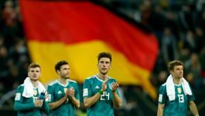 Timo Werner, Jonas Hector, Leon Goretzka und Thomas Müller (v. l. n. r.) nach dem Spiel gegen Spanien in Düsseldorf