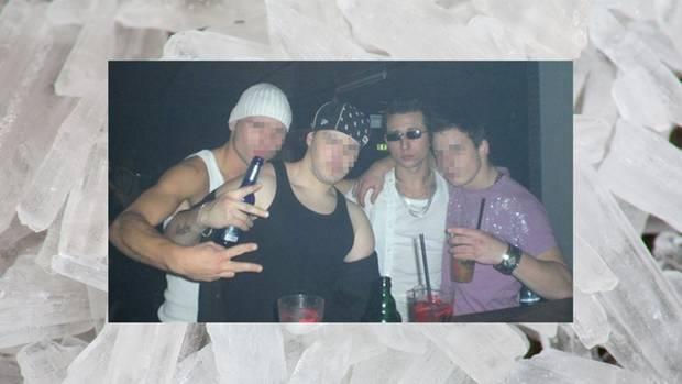 """""""Ich bin der Freak mit der Sonnenbrille"""": Forster beim Feiern mit Freunden"""