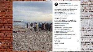 Eine Frau liegt am Strand in Australien, während neben ihr eine Hochzeit stattfindet