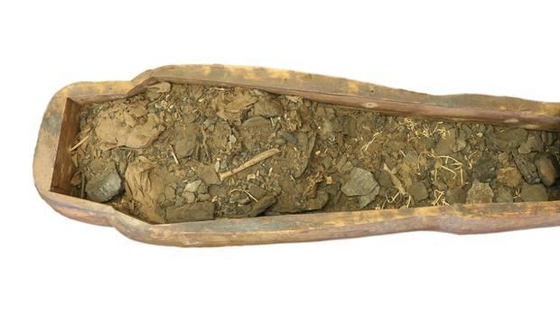Die Überreste von Mer-Neith-it-es
