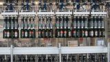 Platz 2: AB InBev  Absatz in Deutschland: 6,6 Millionen Hektoliter  Der größte Brauereikonzern der Welt ist in Deutschland durch Becks, Diebels, Hasseröder, Franziskaner, Spaten und Löwenbräu vertreten.