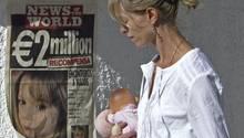 Kate McCann mit einem Bild ihrer Tochter Maddie