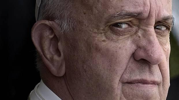 Der als gütig, bescheiden und menschenfreundlich bekannte Religionsführer hat wohl auch das Zeug zum Comandante. Im Vatikan kennt man den mitunter rauen Ton des Papsts Franziskus