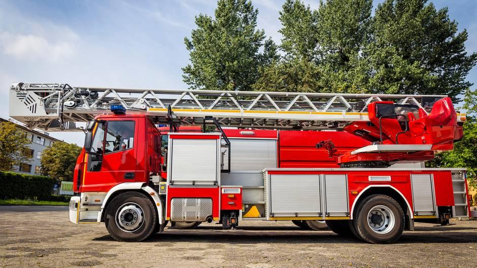 Feuerwehr Stadt Kauft Löschfahrzeug Das Nicht In Die Garage Passt