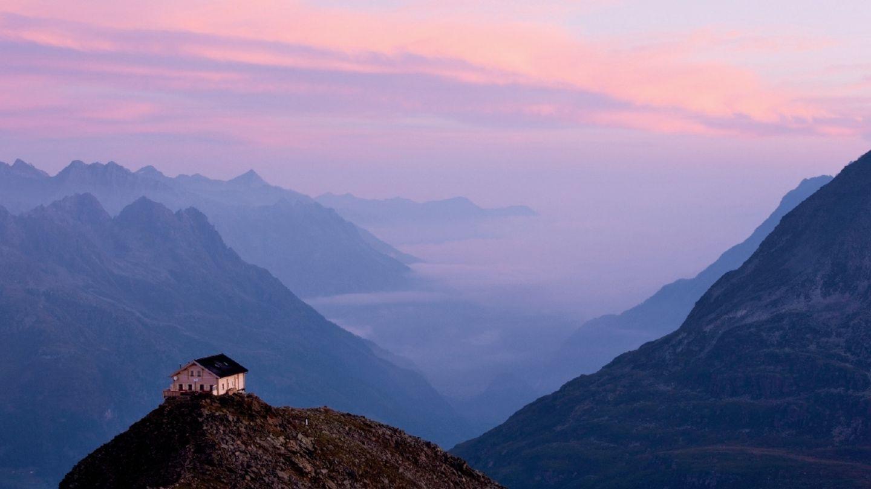 Zimmer mit Aussicht: Schöner als auf dem Brunnenkogelhaus in den Stubaier Alpen kann Hüttenzauber nicht sein.