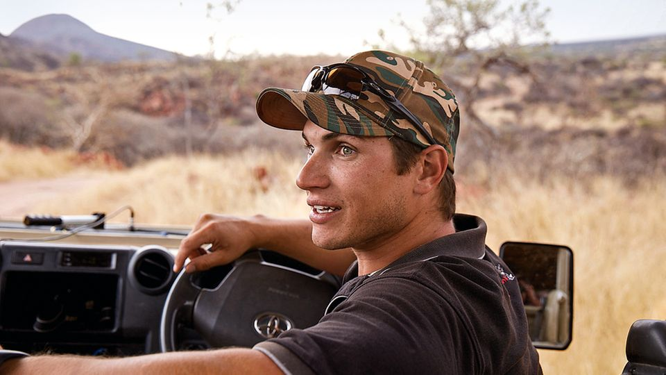 Ranger Craig Brown auf der Suche nach Raubkatzen.
