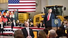 Donald Trump bei einer Ansprache zum Thema Infrastruktur in Richfield im US-Bundesstaat Ohio