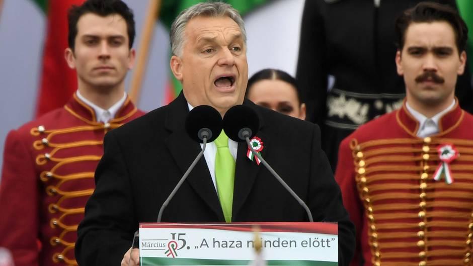 Ungarns Ministerpräsident Viktor Orban hat die Drohungen gegen Kritiker seiner Politik verschärft