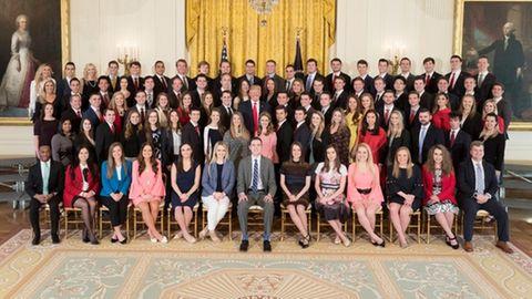 Weißes Haus: Das sind die neuen Praktikanten. Fällt Ihnen etwas auf?