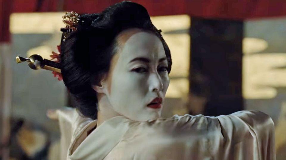 In der ersten Staffel arbeitete Maeve in einem Western-Bordell, nun zieht sie das Katana.