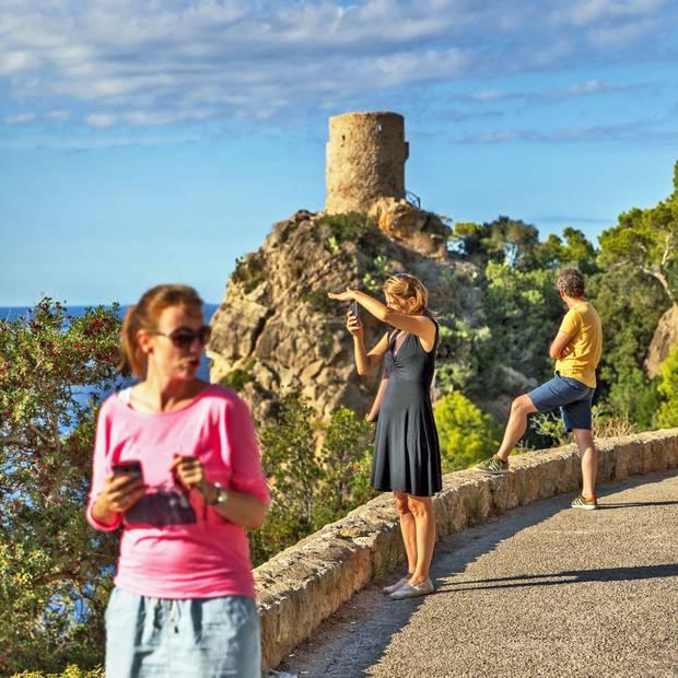 Schwindelerregend ist der Blick vom Wachturm Torre des Verger, einem beliebten Fotomotiv.