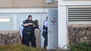Die Polizei durchkämmte das Gelände der Youtube-Zentrale, nachdem Notrufe wegen der Schüsse eingegangen waren