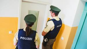 nachrichten deutschland - lautes liebesspiel