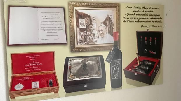Reklame für Rotwein aus Cirò im Sportheim des TV Häslach