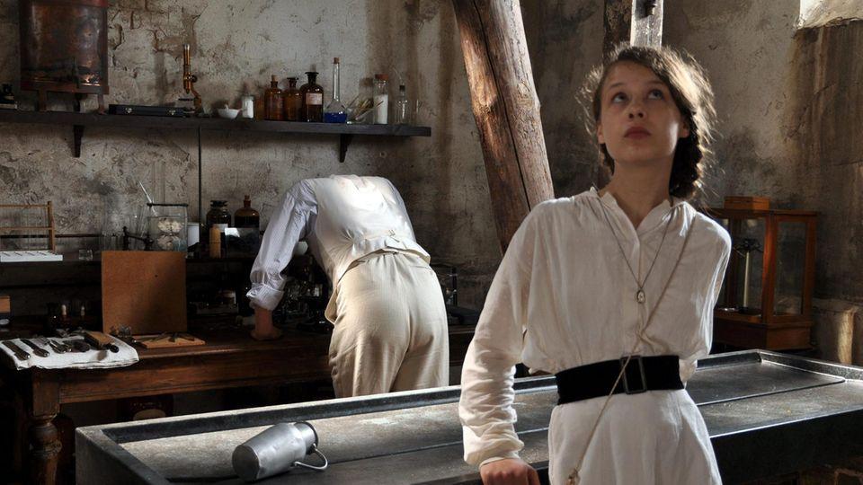 """Als die Adlige Oda in dem Film """"Poll"""" von 2009 gewann Paula Beer den Bayerischen Filmpreis. Bei den Dreharbeiten war sie 14 Jahre alt"""