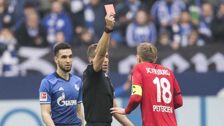 Nils Petersen während des Spiels bei Schalke 04