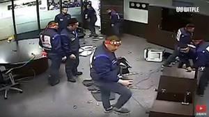 Scherben im Chefbüro: Videos des Vorfalls kursieren auf Youtube