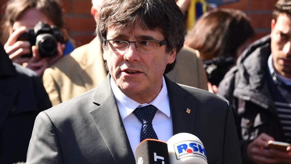 Carles Puigdemont wurde am Freitag aus der JVA in Neumünster entlassen
