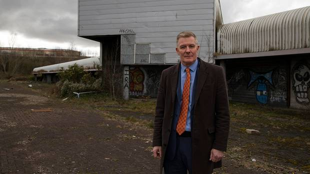 Der Geschäftsmann Conor Patterson hier vor einer ehemaligen inneririschen Zollstation