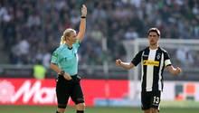 """Schiedsrichterin Bibiana Steinhaus als """"Hure"""" beschimpft: Nun schaltet sich der DFB ein"""