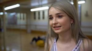 stern TV besuchte Kim Petras (25) unter anderem im Tanzstudio, wo sie wöchentlich viele Stunden für ihre Videosdrehs und Auftritte trainiert.